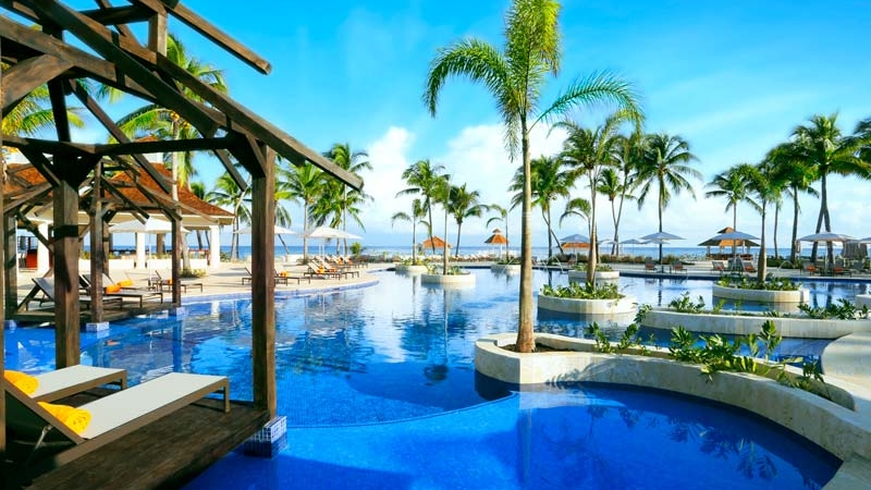 hyatt-ziva-rose-hall-activities-pool